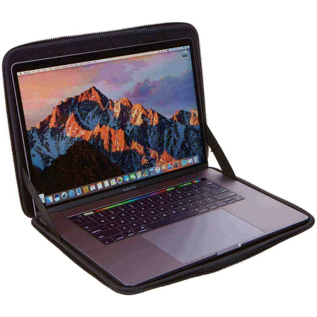 "FUNDA PARA LAPTOP TGSE2254 GAUNTLET 3.0 MACBOOK PRO 15"" COLOR NEGRO THULE"